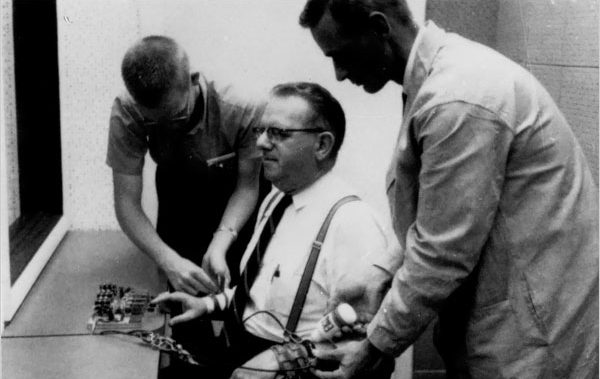 Milgram's experiment and Gamification